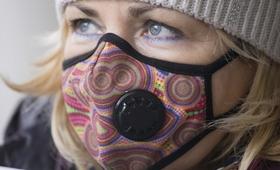 Kraków rozdaje mieszkańcom darmowe maski antysmogowe. Kto je dostanie?