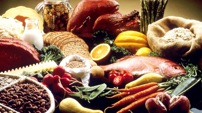 Jedzenie z mikrofali zdrowsze niż z piekarnika. Obalamy 10 mitów