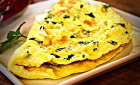 28 osób zatruło się salmonellą. Wszyscy jedli omlet z lunch boksów
