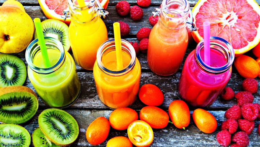 Najlepsze przepisy na letnie koktajle. Podkręć swój metabolizm!