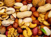 Orzechy, zdrowie, włoskie, laskowe, piniowe, kokosowe, makadamia, migdały, pistacje, nerkowce, fistaszki, właściwości zdrowotne, wartości odżywcze