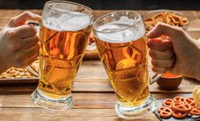 Koniec z reklamami piwa? Ministerstwo Zdrowia wprowadza zmiany