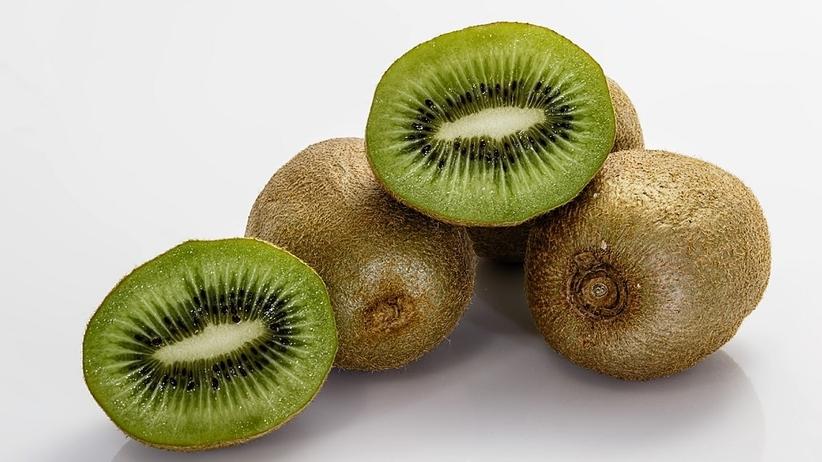 Jaglanka z owocami. Śniadanie bogate w wapń bez mleka [PRZEPIS]