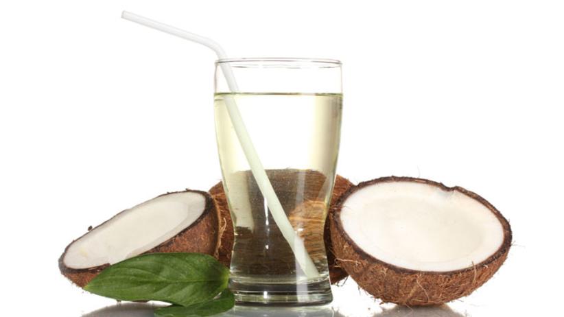 Woda kokosowa - regenerujący kosmetyk do picia