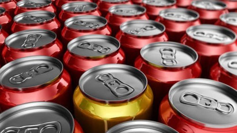 Często sięgasz po napoje energetyczne? Cierpi na tym Twoja wątroba