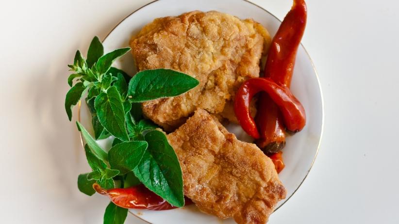 Schabowy z ziemniaczkami, czy kultowe ośmiorniczki? Co jedzą Polacy?