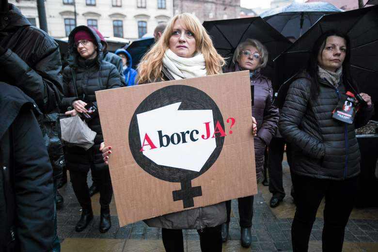 Aborcja-dyskryminuje-chore-dzieci-Do-Sejmu-trafil-kontrowersyjny-projekt-ustawy_article