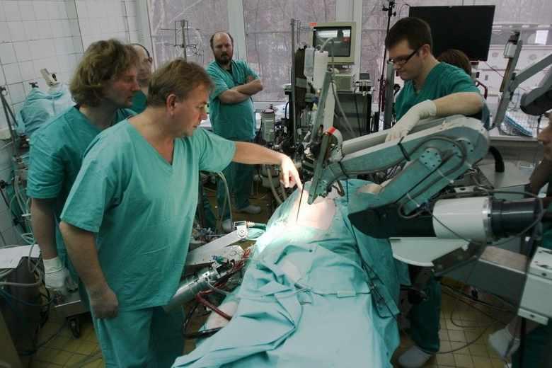 Robin-Heart-polski-robot-ktory-zastapi-chirurga-podczas-operacji_article