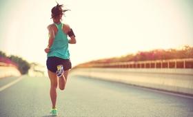 Dlaczego warto biegać? Poznaj 10 powodów zdrowotnych