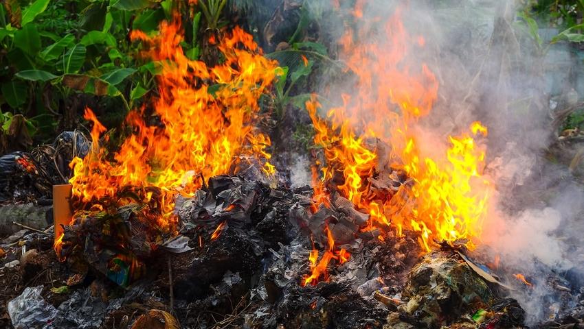 Płonące wysypiska śmieci - zanieczyszczenie powietrza