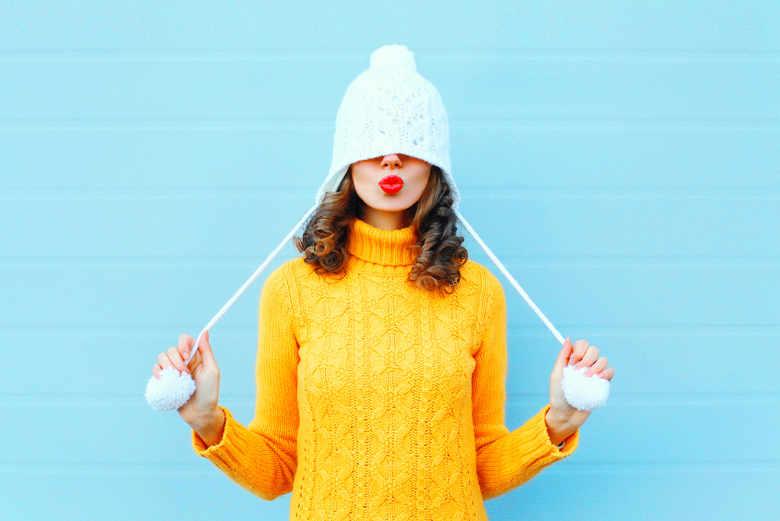 Noszenie czapki, ciepło ucieka przez głowę