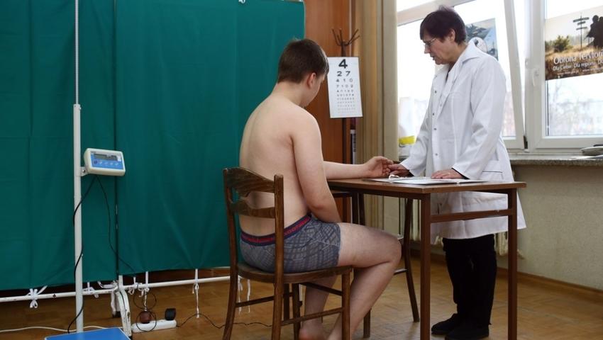 Kwalifikacja wojskowa: jakie badania przeprowadza komisja lekarska?
