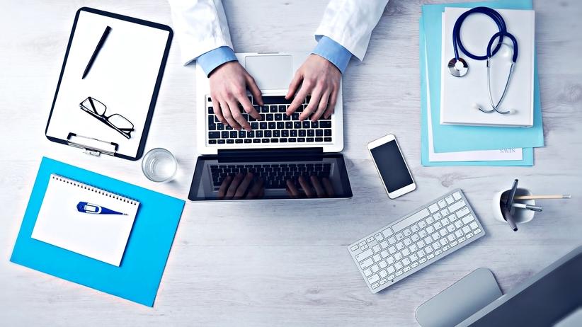 Sekretarki medyczne: sposób na rozwiązanie problemów w służbie zdrowia?