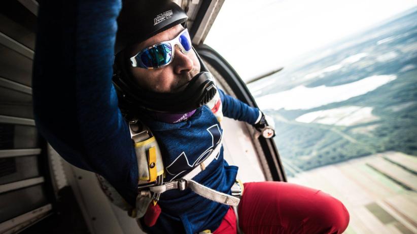 Tomasz Kozłowski, rekord Europy w skokach spadochronowych, 100 skoków, 100 wózków