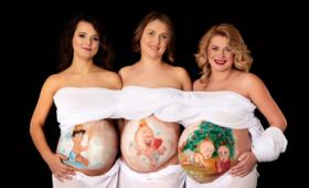 Przyszłe matki walczą o standardy opieki okołoporodowej pokazując ciążowe brzuszki