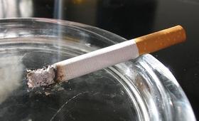 """Bierne palenie gorsze od samego nałogu? Uwaga na """"dym z drugiej ręki"""""""
