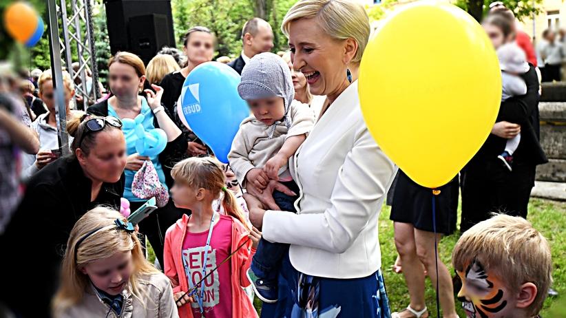"""Pierwsza dama o macierzyństwie: """"To miłość i odpowiedzialność"""""""