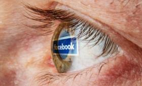 Facebook, Selena Scoli, pozew, zespół stresu pourazowego, problemy psychiczne