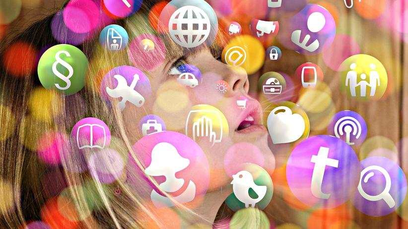 Smartfony i tablety szkodzą zdrowiu i psychice uczniów? Francja wprowadza zakaz