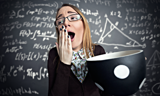 Zapach kawy pomaga osiągać lepsze wyniki w testach matematycznych [Nowe badania]