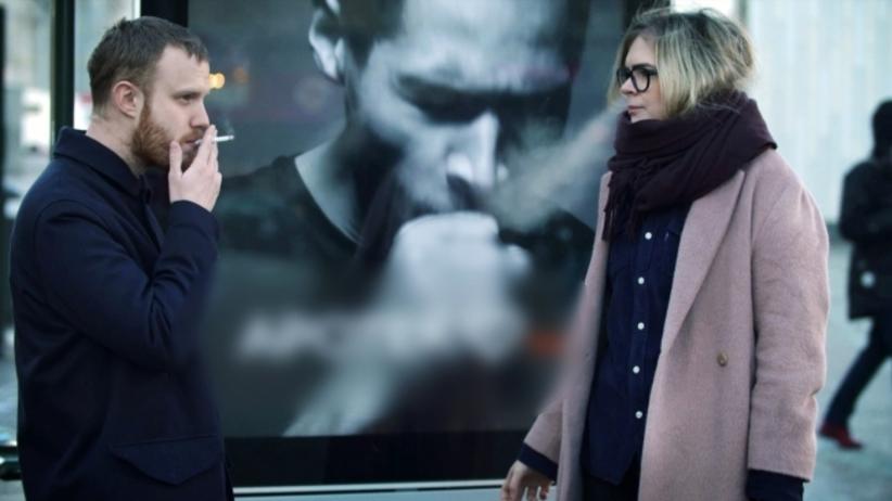 Palisz papierosy na ulicy? Kaszlący billboard Ci w tym przeszkodzi!