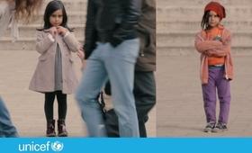 Czy pomógłbyś na ulicy małemu uchodźcy?