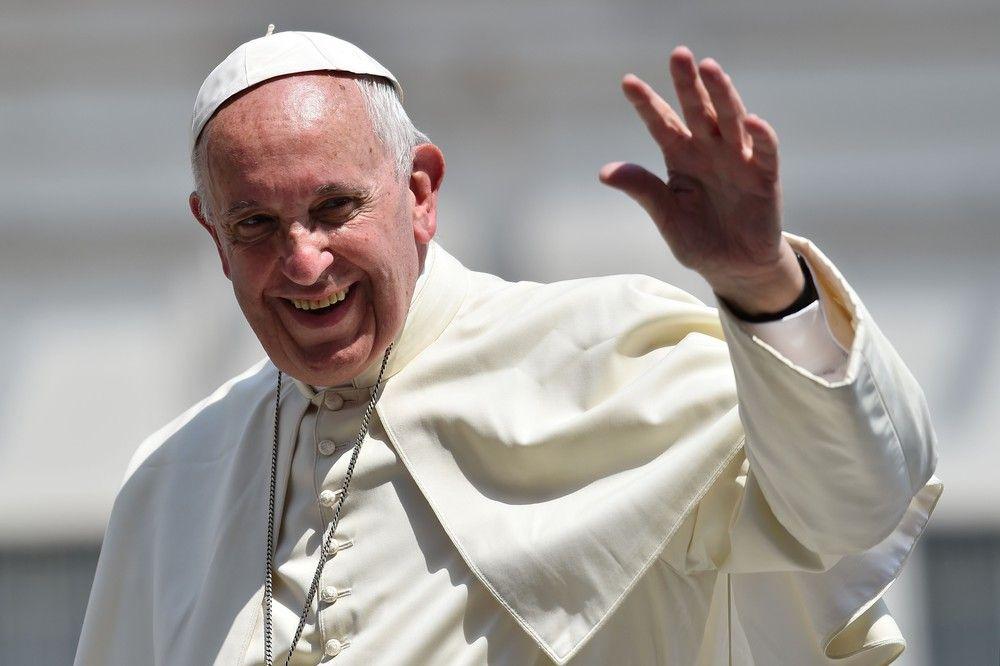 Sondaż Gallupa: Papież Franciszek najpopularniejszym przywódcą