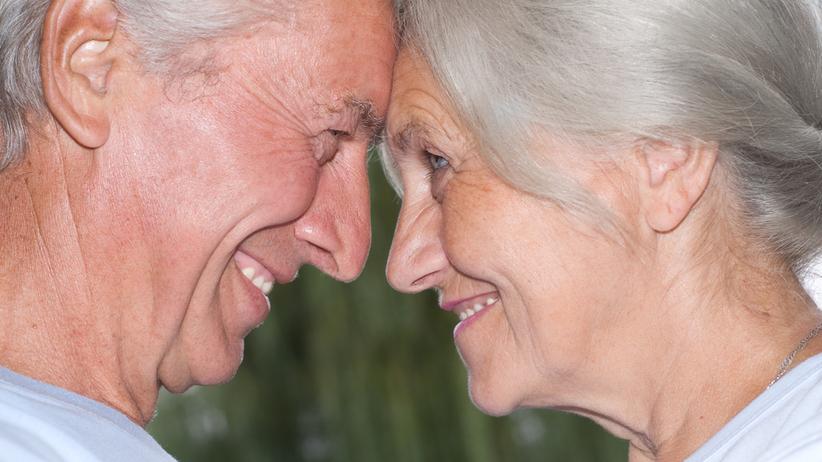 Seks w starszym wieku ma gorszy wpływ na zdrowie mężczyzn niż kobiet