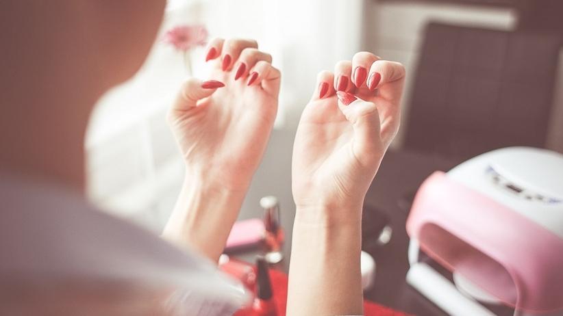 Piękne paznokcie bez suchych, zadzierających się skórek