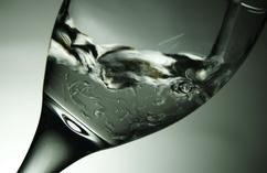 odwodnienie, woda, picie wody, kieliszek, czysta woda