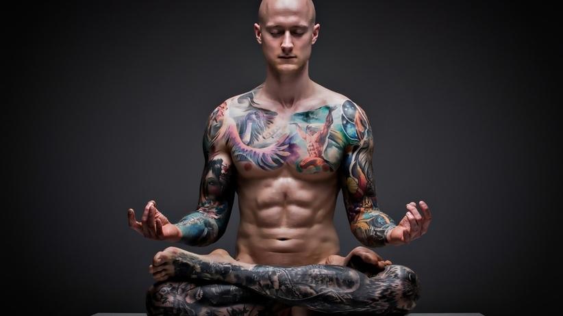 Masz tatuaż? Twoja skóra może wytwarzać aż o połowę mniej potu!
