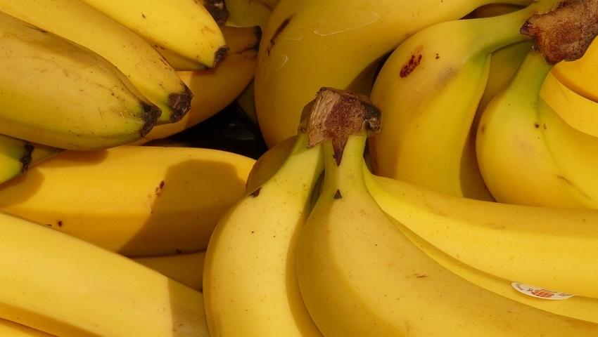 Co można zrobić z banana? Naturalną, domową maseczkę na twarz