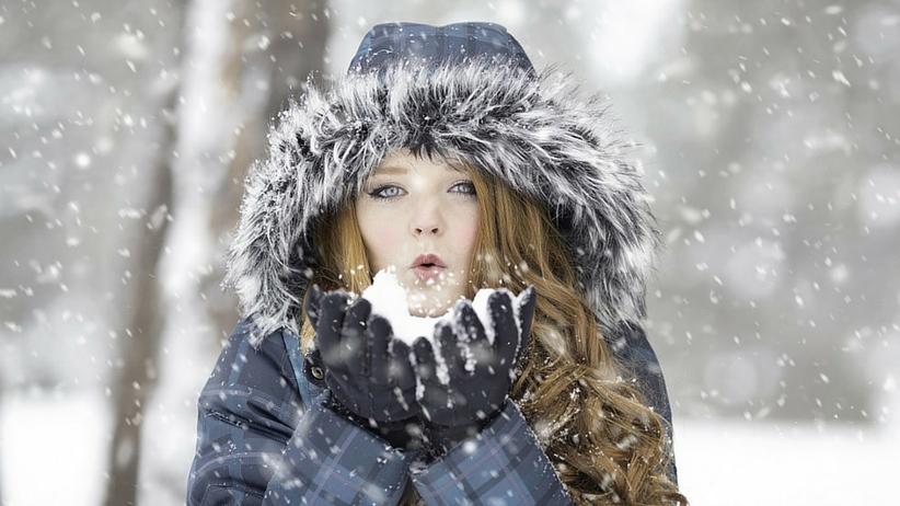 Piękne usta zimą. Naturalne, domowe sposoby na popękane usta