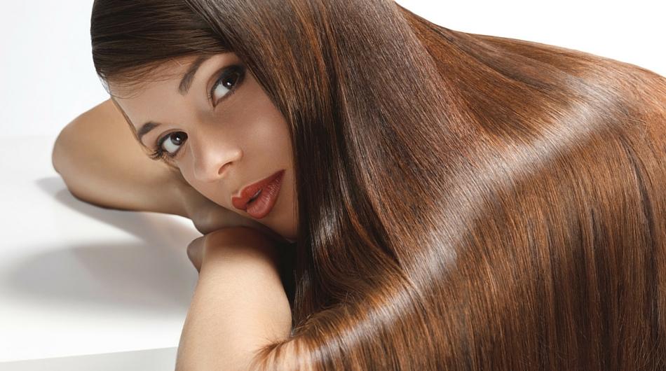 Mycie włosów bez szamponu. Dlaczego kobiety przestają używać szamponu?