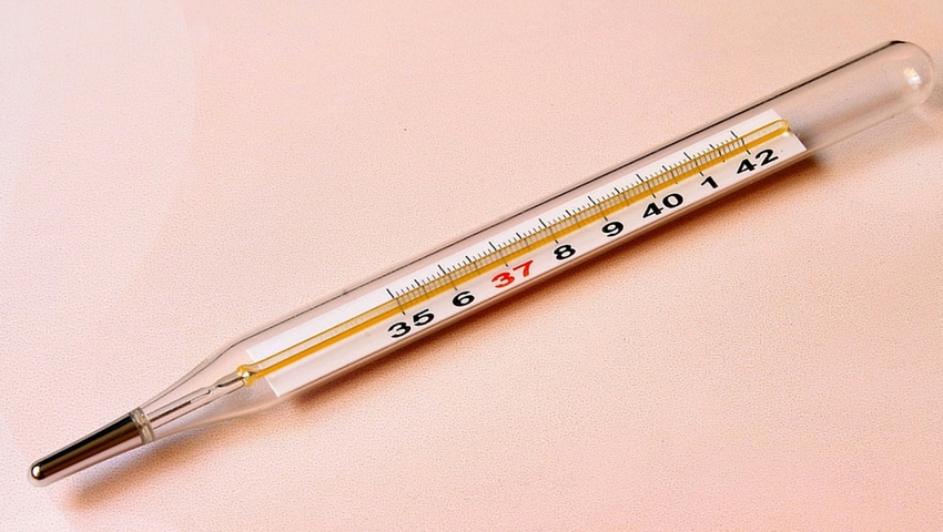Zbij temperaturę naturalnie. Domowe sposoby na gorączkę
