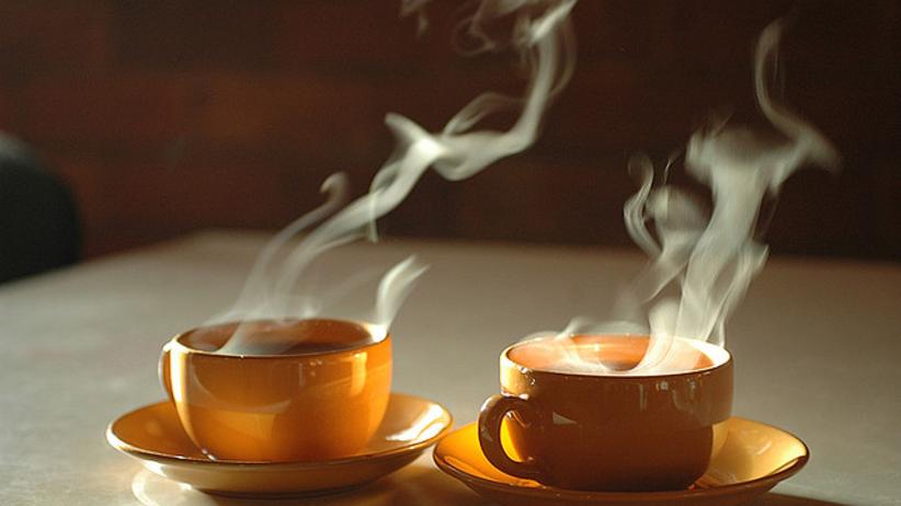 Skuteczny sposób na upały… gorące napoje!