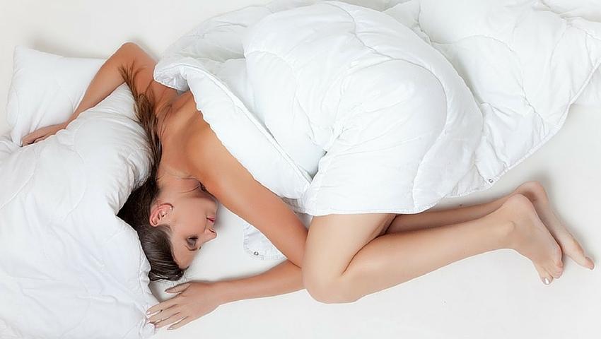 Naukowcy mówią, że kobiety potrzebują więcej snu niż mężczyźni