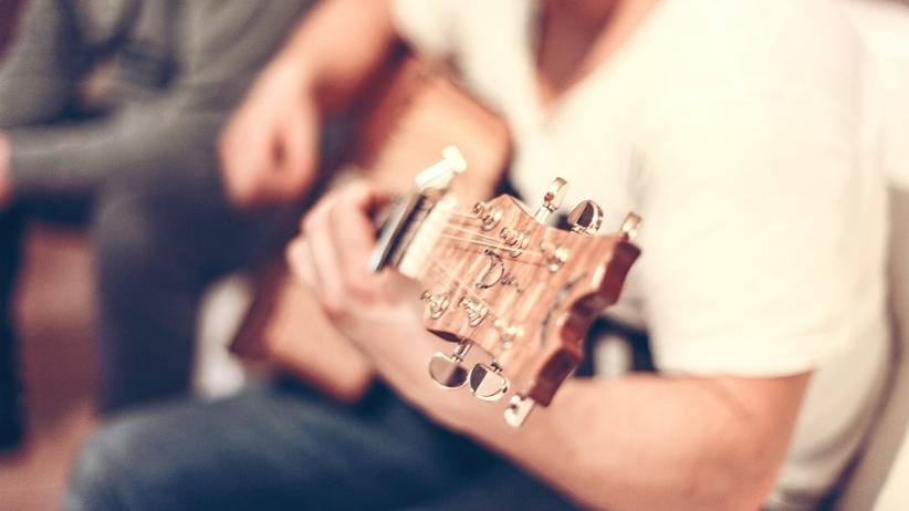 Grasz na instrumencie? Twój mózg pracuje lepiej