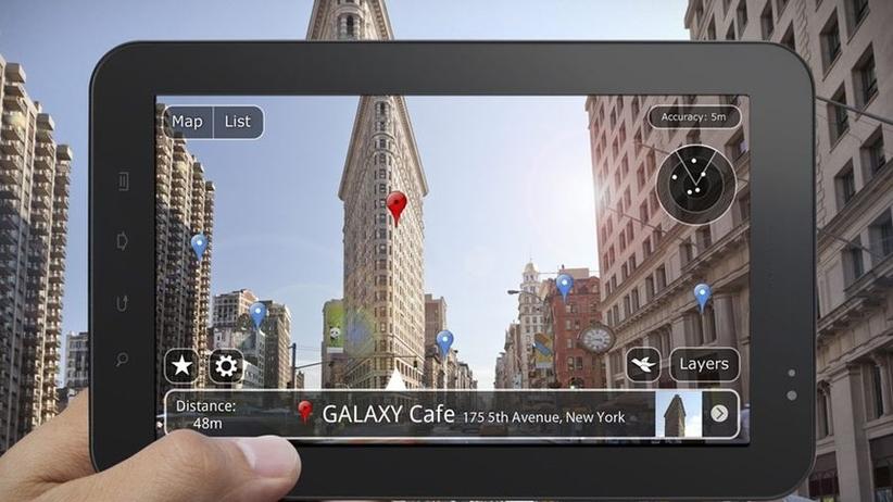 Rozszerzona rzeczywistość w aplikacjach przydatnych podczas podróży