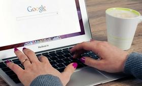 """""""Rok w wyszukiwarce"""", czyli o co pytali internauci doktora Google"""