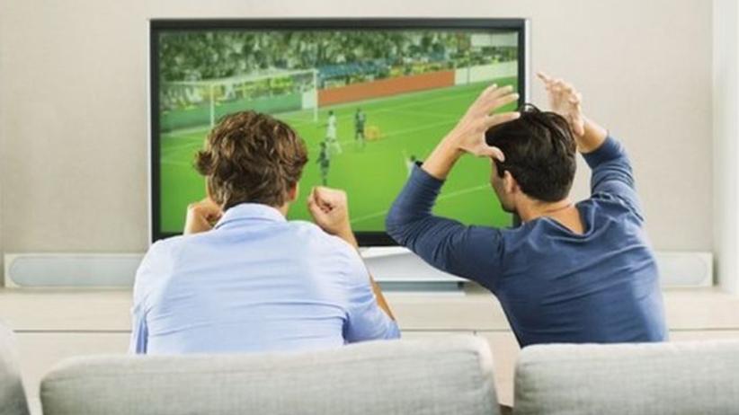 Oglądasz sport w TV? Twoje ciało myśli, że biegasz truchtem