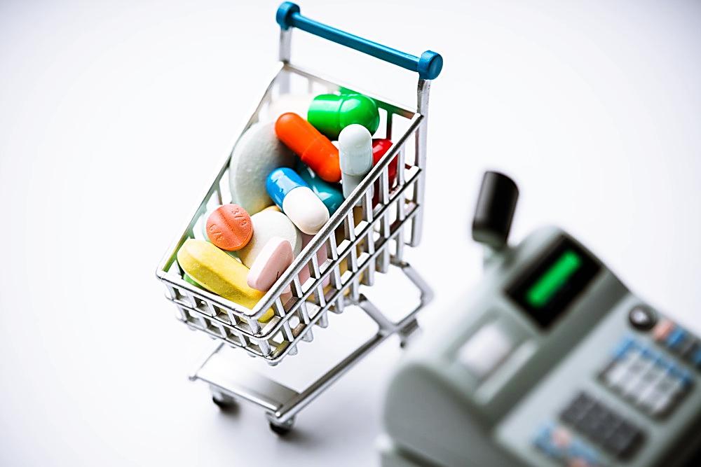 Po leki tylko do apteki? 90 procent lekarstw zniknie ze sklepów