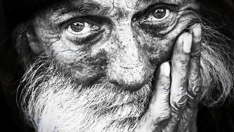 Jak zamarza człowiek? Wyjątkowy projekt zwracający uwagę na bezdomnych